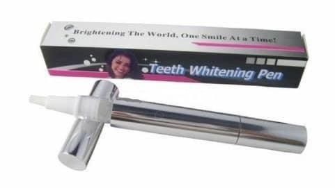 Отбеливаем зубы черным углем