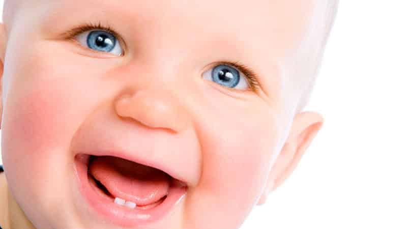 Как долго режутся первые зубки