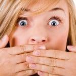 Болячки белого цвета во рту