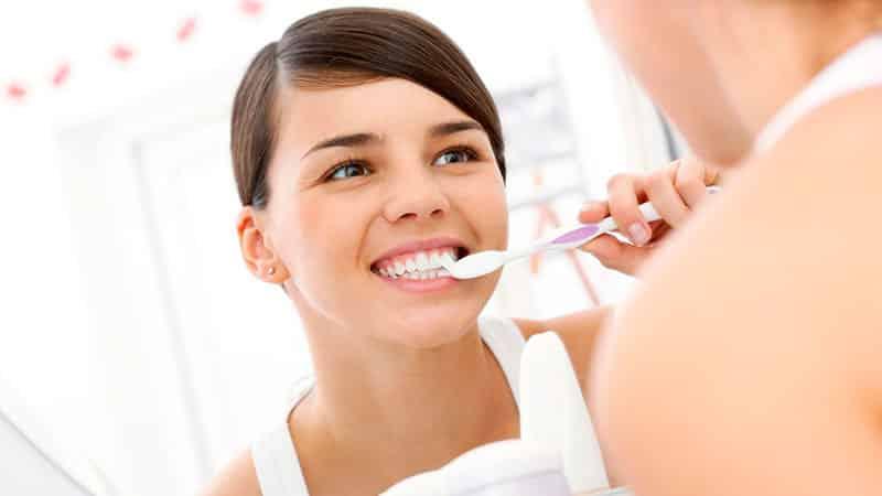 Как лечить зубы дома