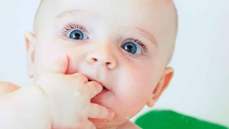 Режутся зубы у ребенка
