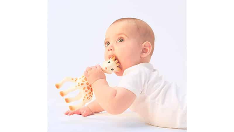 когда начинают резаться зубки у младенцев