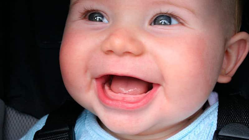Появление зубов у младенцев