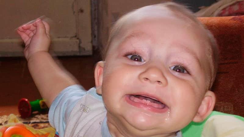 Первые зубки у детей