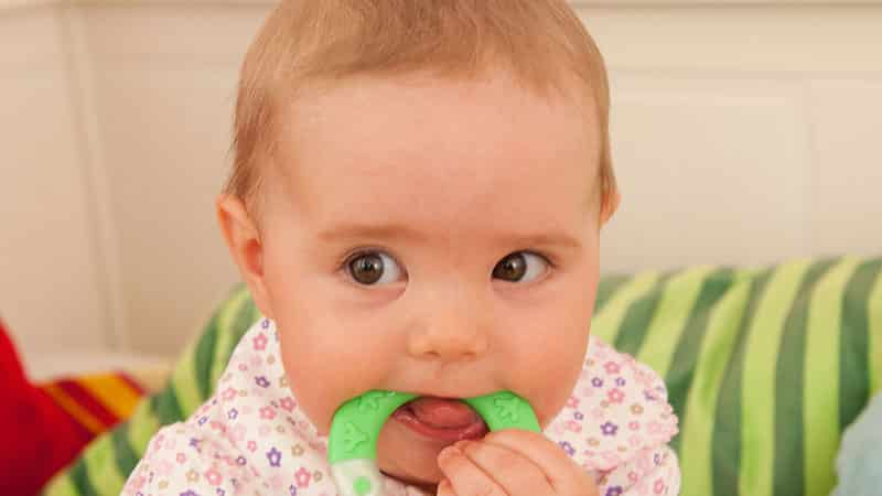 прорезывание зубов в 4 месяца