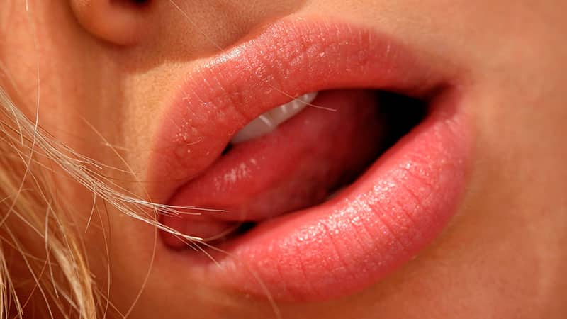 Язвы на языке у взрослого: как лечить и почему появляются
