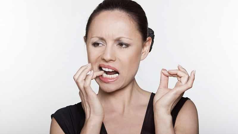 почему болит зуб под коронкой причины как снять боль