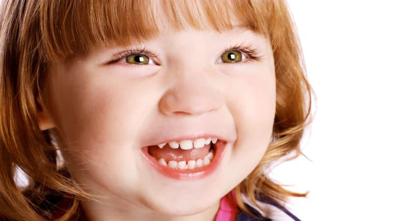 смена молочных зубов у детей на постоянные