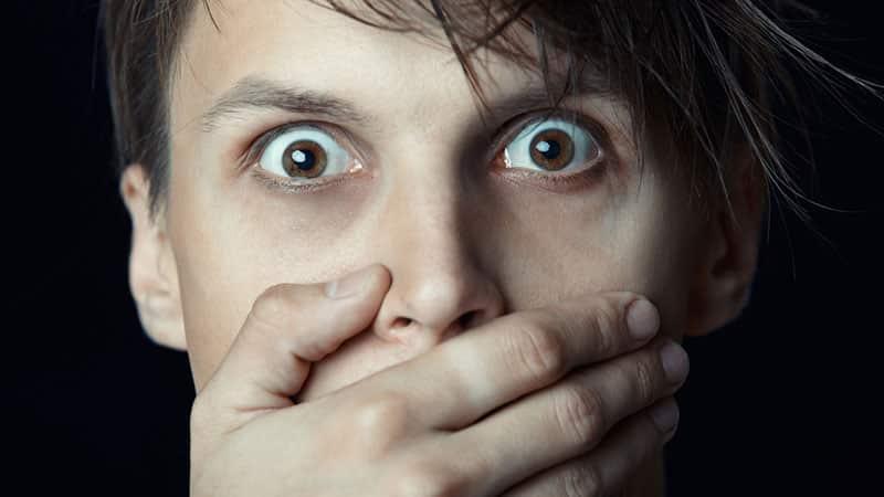 Что означает выпавший зуб во сне
