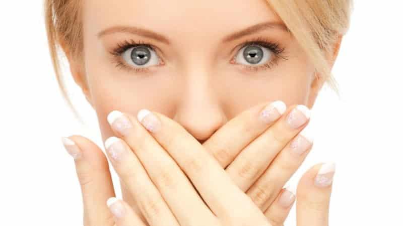 как убрать неприятный запах изо рта дома