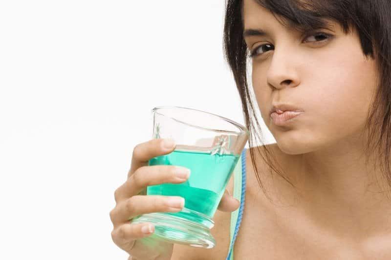убрать плохой запах изо рта