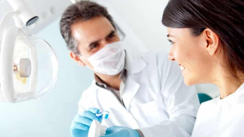 почему пахнет изо рта у взрослого ацетоном если причины