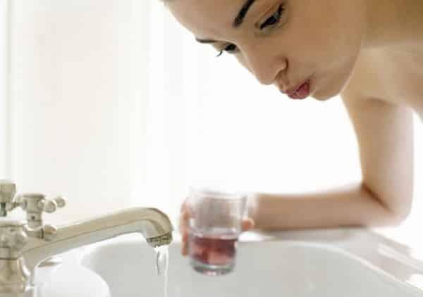 можно ли как чистить зубы что принимать после удаления зуба когда