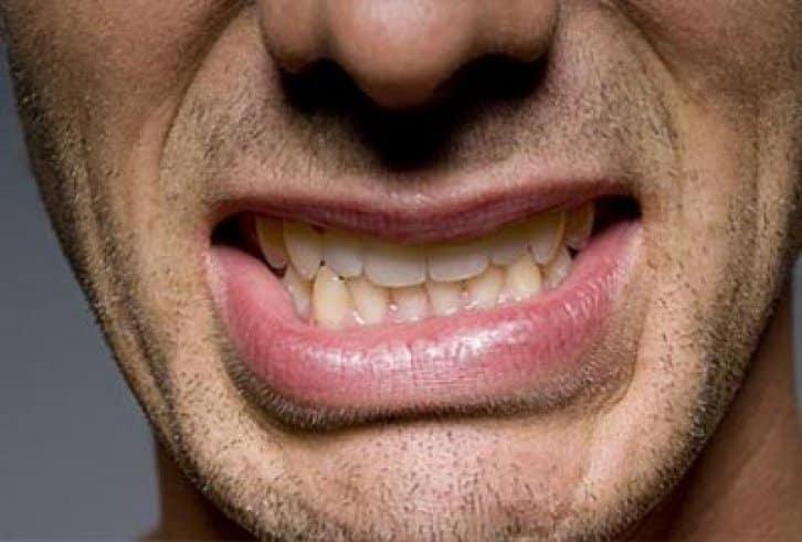 почему печет щиплет кончик языка будто обожжен причины что это