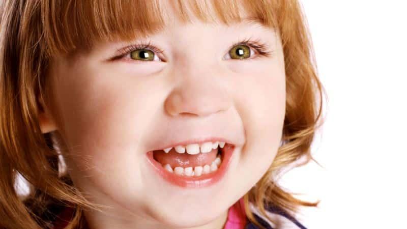 сколько должно быть молочных зубов у детей