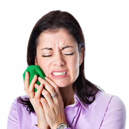болит запломбированный зуб что делать