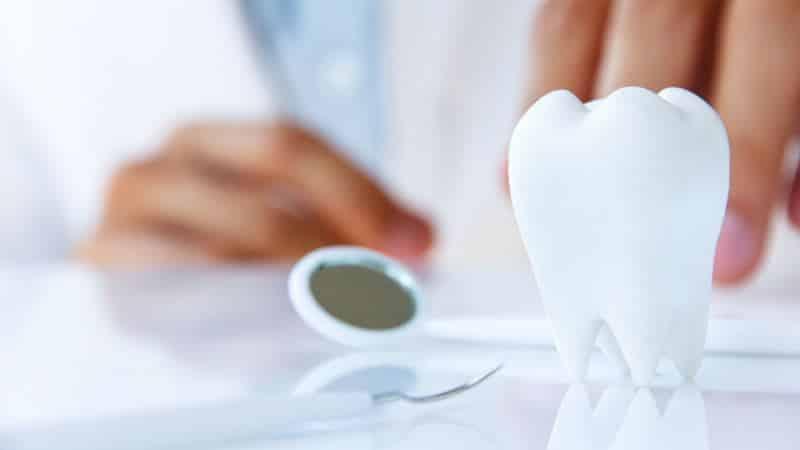 Болит зуб при надавливании. Почему болит зуб при надавливании?