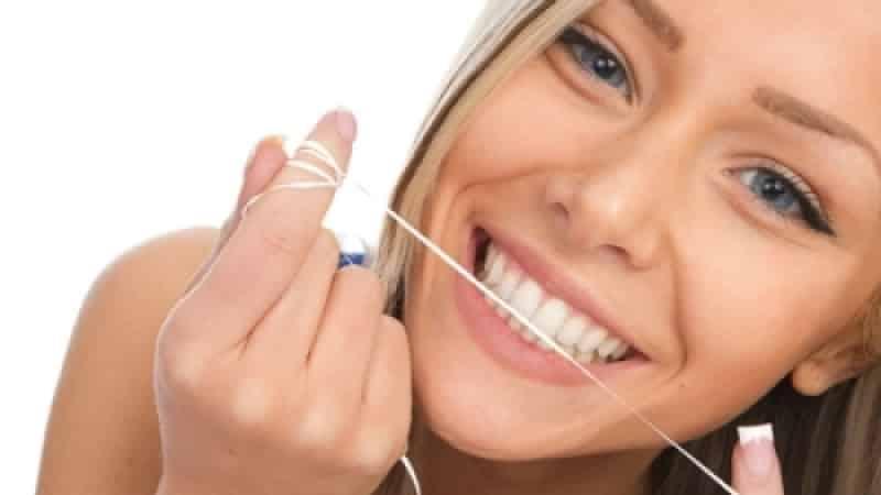 болит здоровый передний зуб при надавливании