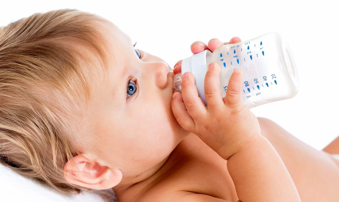 почему у ребенка чернеют молочные зубы что делать