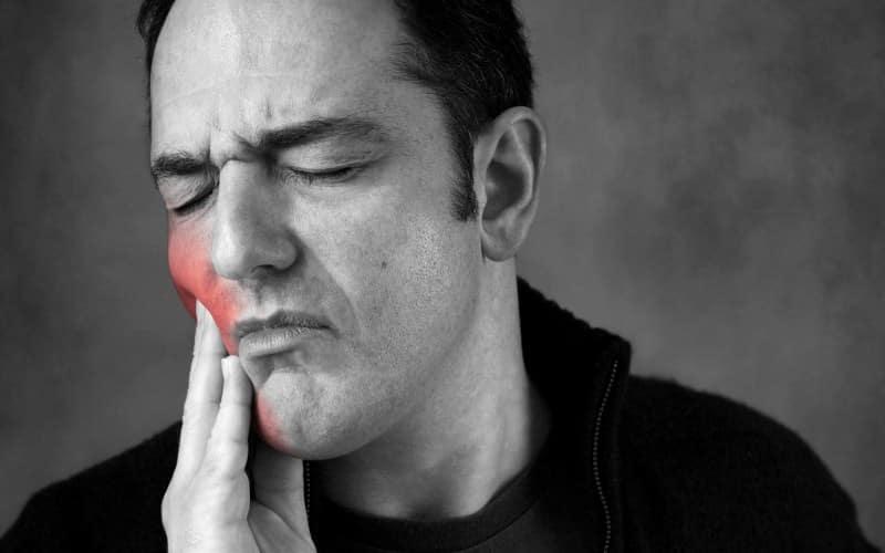 курение и зубы курильщика