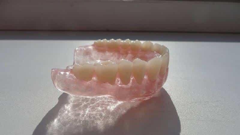 что такое мягкие зубные протезы и что лучше