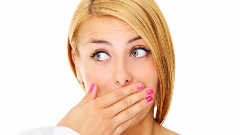 запах изо рта из за миндалин лечение