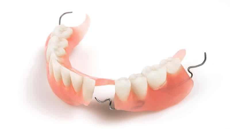 какой протез лучше при полном отсутствии зубов