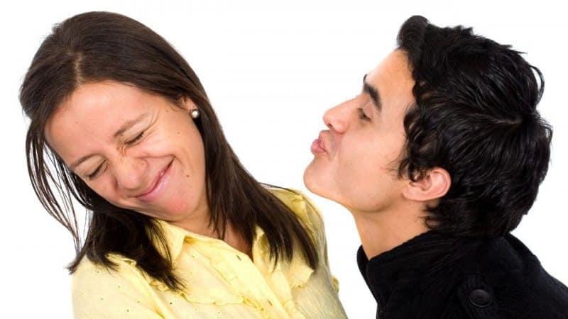 неприятный запах изо рта причины желудок