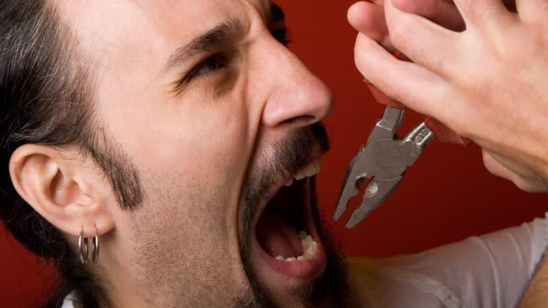 как самостоятельно коренной зуб самому