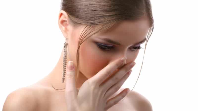 запах мочи изо рта причины