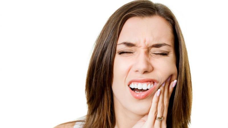 зуб болит от горячего и холодного