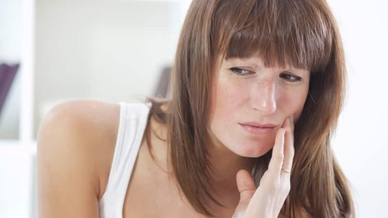 болит зуб при грудном вскармливании