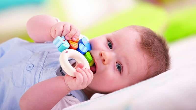 сыпь у ребенка на зубы