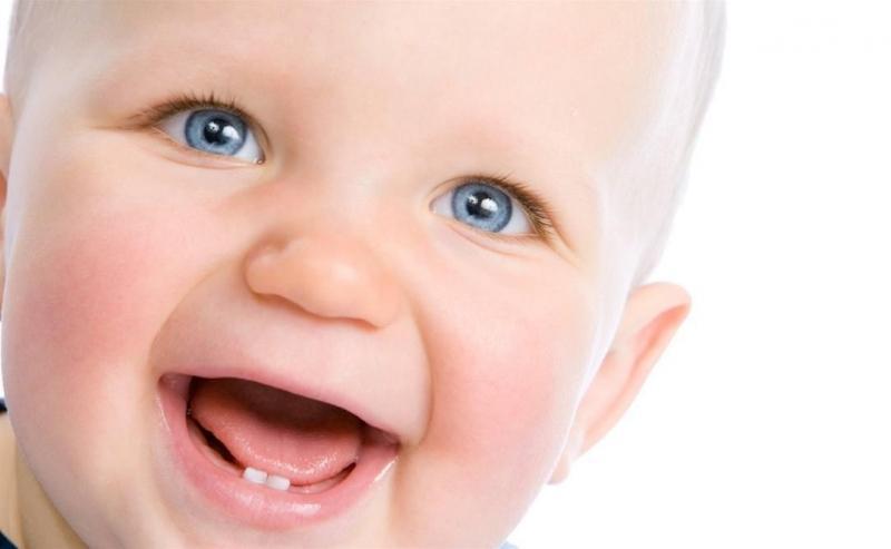 чем мазать десна ребенку когда режутся зубы_2