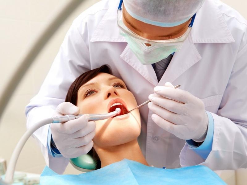 где бесплатно вырвать зуб